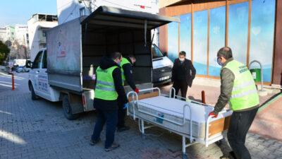 Yıldırım Belediyesi'nden 120 yaşındaki Emine Teyze'ye hasta yatağı yardımı