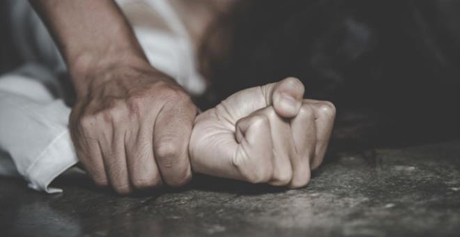 Adamı ağaca bağlayıp karısına gözü önünde tecavüz eden 4 kişinin sonu darağacı oldu