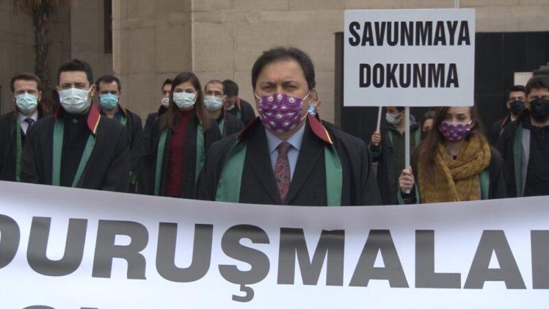 Bursalı avukatlardan sessiz eylem!