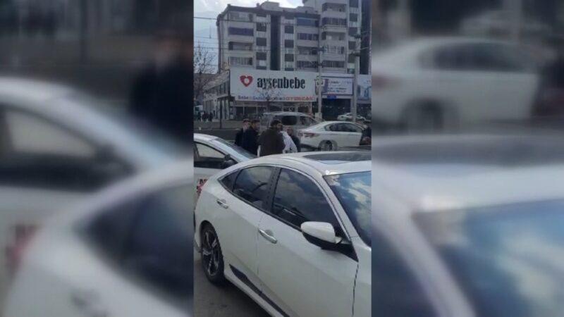 Bursa'da omuz atma tartışmasında yumruklar havada uçuştu