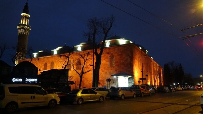 Bursa'daki tarihi camiler doldu…