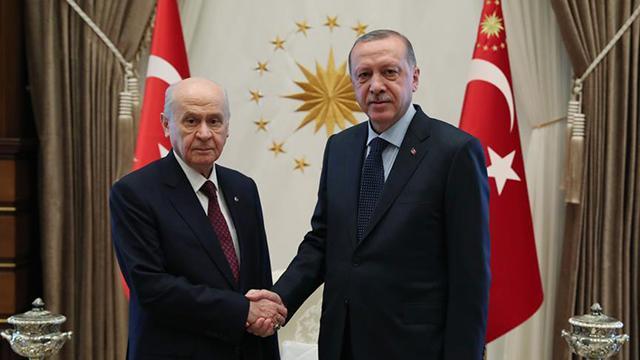 Cumhurbaşkanı Erdoğan'dan Bahçeli'ye tebrik telefonu