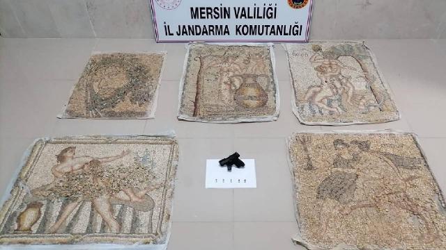 Tarihi eser niteliğinde 5 mozaik tablo ele geçirildi