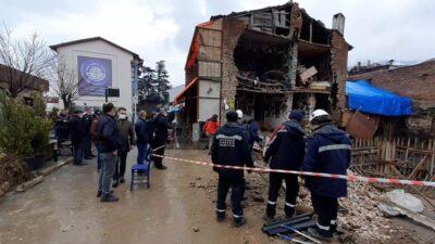 Bursa'da faciadan dönüldü! Büyük bir gürültüyle çöktü