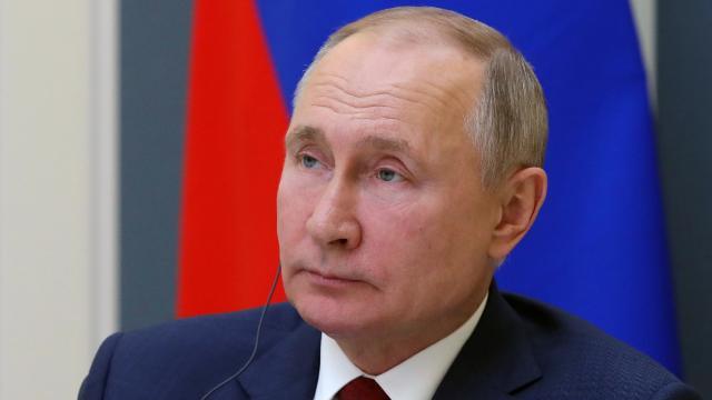Putin: Ülkede 4,3 milyon kişi tamamen aşılandı