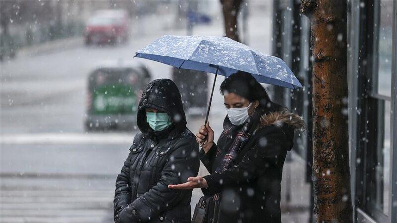 Başkent'te kar yağışı etkili oluyor