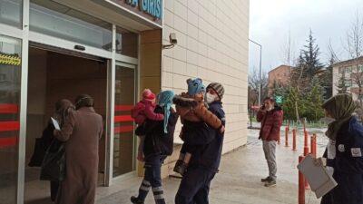 Bursa'da tiner içen ikizler hastaneye kaldırıldı!