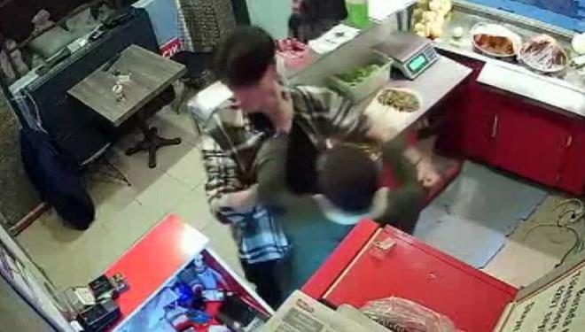 Çiğ köfteciye saldırıya 2 tutuklama