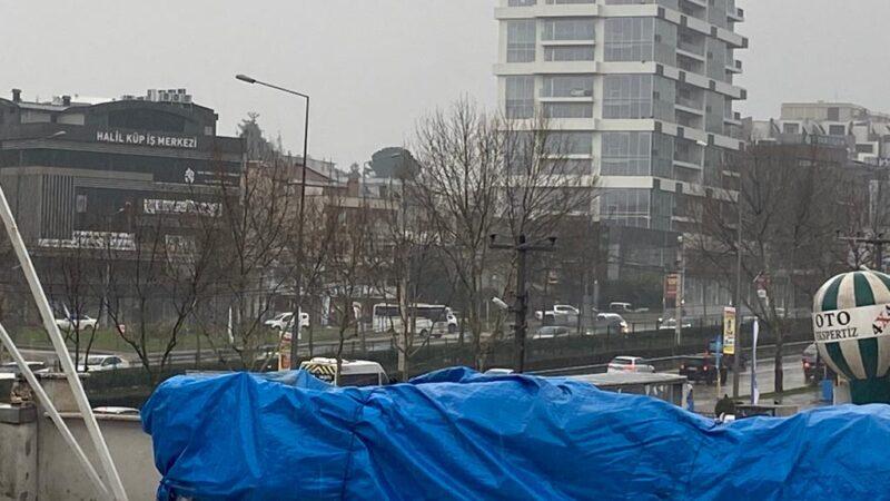 Bursa'da hava bir anda karardı! Dolu gibi yağdı…