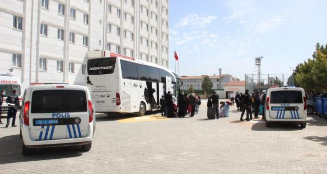 Otobüste korona alarmı! 47 kişi karantinaya alındı