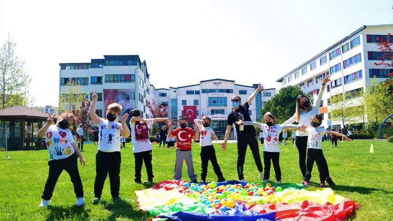 Atatürk çocuklarının bayram mutluluğu
