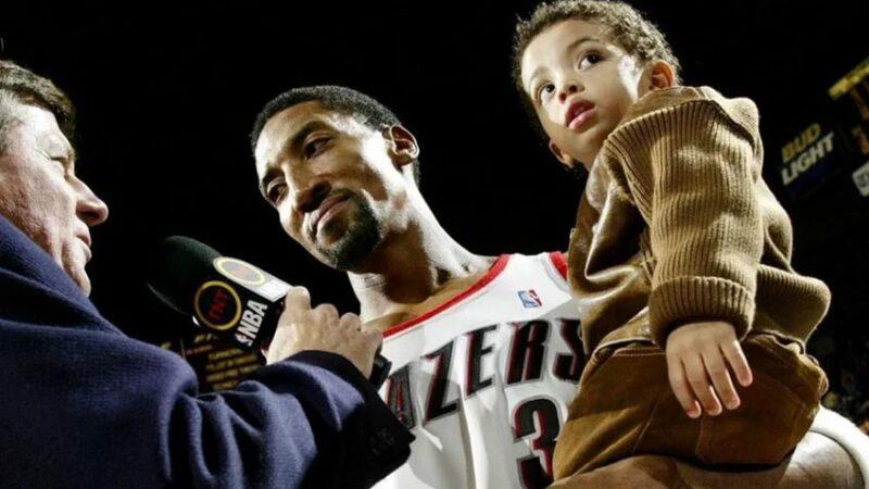 NBA'in yıldızından kahreden haber!