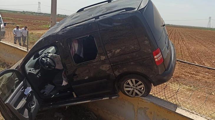 Hafif ticari araç şarampole devrildi! 4 kişi yaralandı