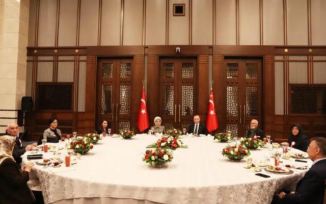 Cumhurbaşkanı Erdoğan şehit aileleriyle iftar yaptı