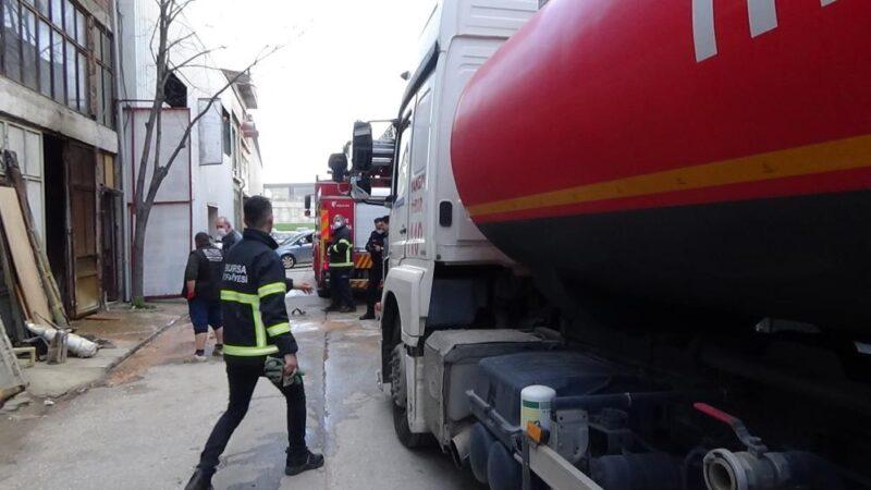 Bursa'da korkutan yangın! Onlarcası küle döndü