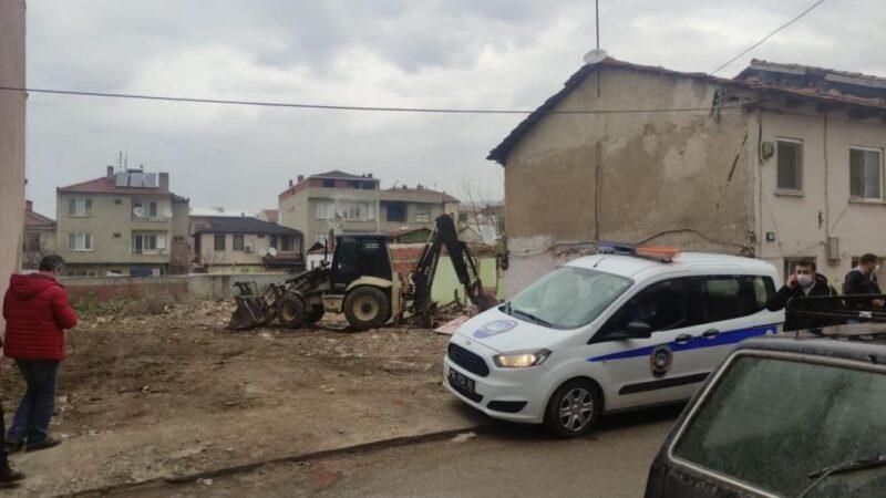 Bursa'da izinsiz yıkım durduruldu