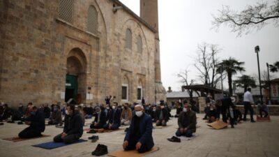 Ulucami'de ramazanın ilk cuma namazı
