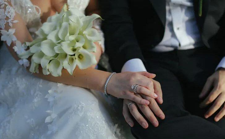 Ücretli izin için aynı kadınla 37 günde 4 kere evlendi