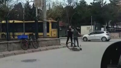 Bursa'da yol verme kavgası! Yumruklar konuştu