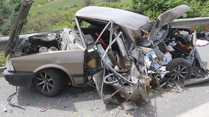 TIR ile otomobil çarpıştı: 4 yaralı