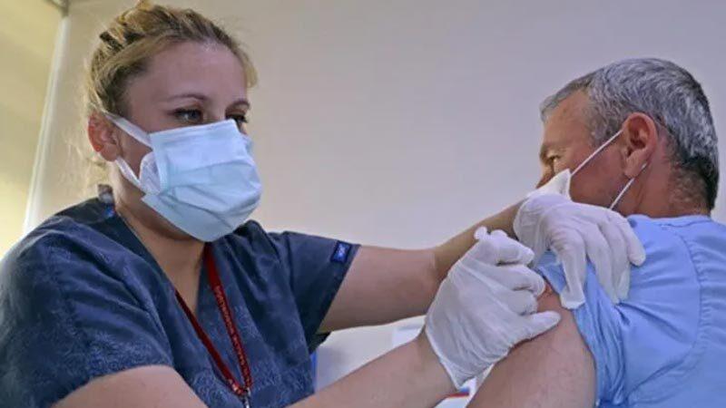 İlk doz aşıyı olduktan sonra koronavirüse yakalananlara kötü haber