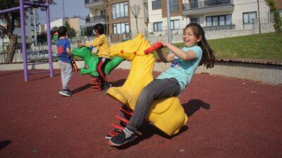 Bursa'da güvenlik kameralı park! Aileler çocuklarını evden izliyor