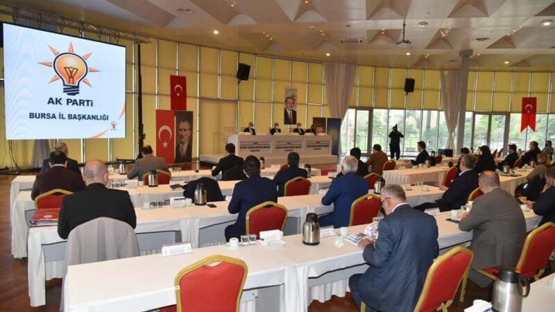 AK Parti teşkilatı Bursa'nın geleceği için bir araya geldi