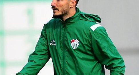 Bursaspor'un eski oyuncusuna şok! O kulüp de gönderdi…