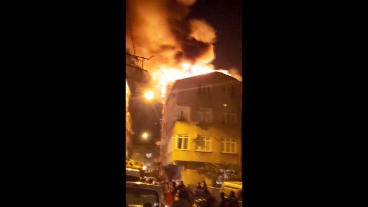 Korkutan yangın! Mahalle sakinleri sokağa döküldü