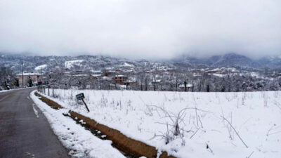 Bu görüntüler Bursa'dan! Kar kalınlığı 20 santimetreye ulaştı