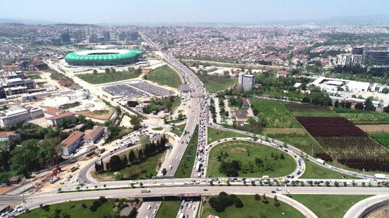 Görüntüler Bursa'dan… Kuyruğun sonu görünmüyor