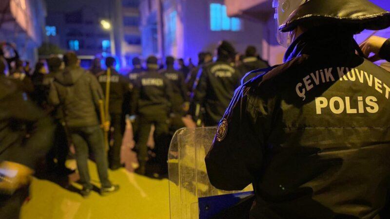 Bursa'da gergin gece: Çevik kuvvet müdahale etti, havaya uyarı ateşi açıldı