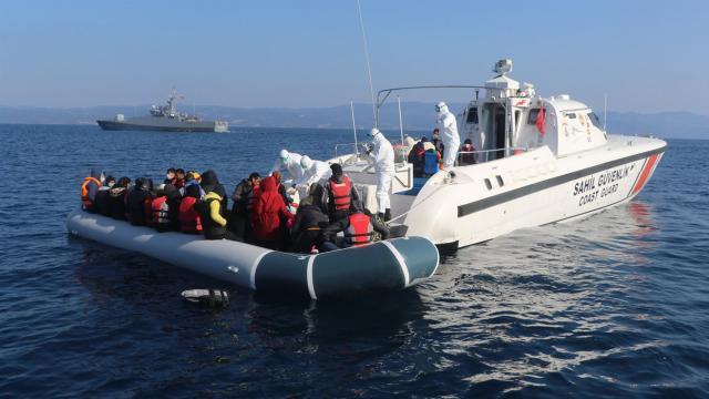 Türk kara sularına geri itilen 231 düzensiz göçmen kurtarıldı