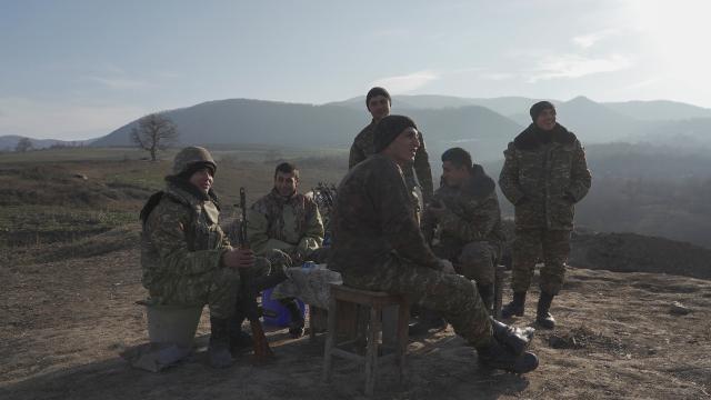 'Sarhoş' Ermeni askerleri Azerbaycan ve Rus askerlerine ateş açtı