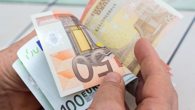 AB ülkelerinde bütçe açığı arttı