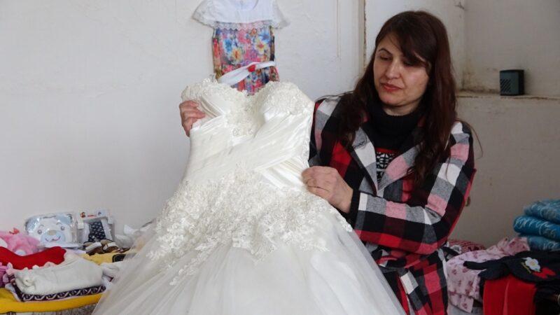 Bursa'da evlenecek çiftlere bedava gelinlik ve damatlık hediye ediyorlar