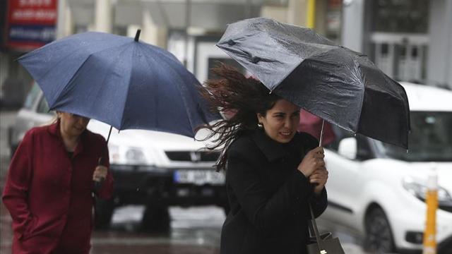 Meteoroloji'den 3 il için kuvvetli fırtına uyarısı