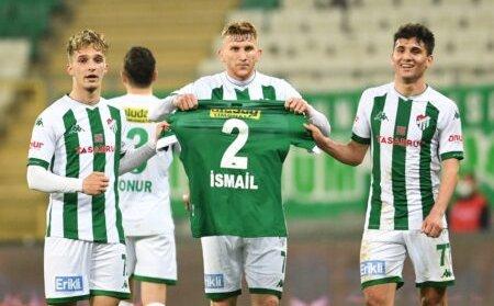 Bursaspor'da anlamlı hareket!