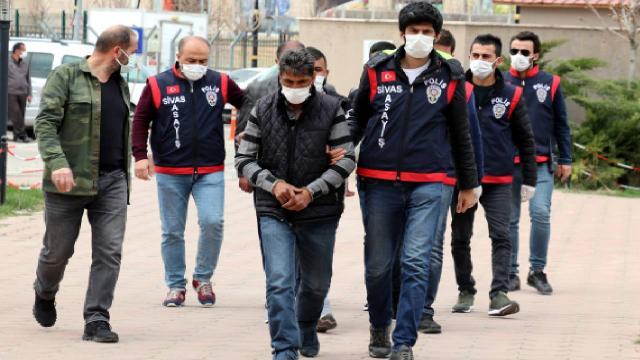 Sivas'ta 245 suç kaydı bulunan 5 dolandırıcı yakalandı