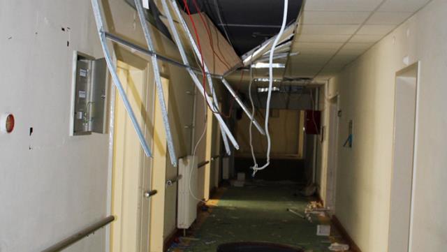 İki yıl önce kapısına kilit vurulan devlet hastanesi talan edildi