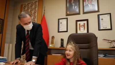 İnegöl Belediye Başkanlığı koltuğuna minikler oturdu