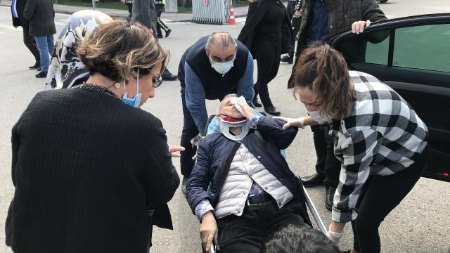 İYİ Partili vekil ve eşi kaza yaptı