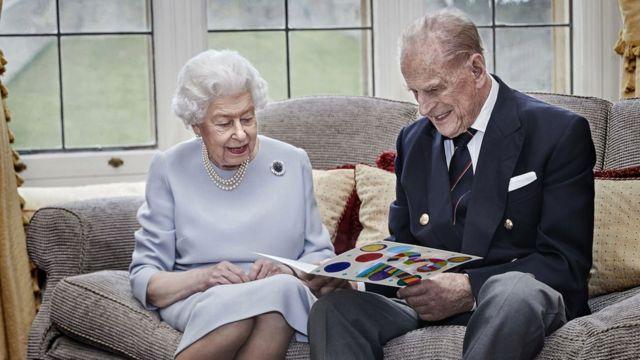 İngiltere'de kraliçeye kötü haber! Prens Philip vefat etti…