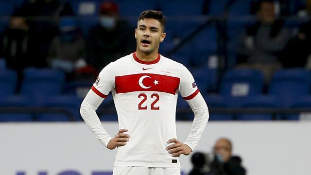 Ozan Kabak İstanbul'da kupa kazanmak istiyor