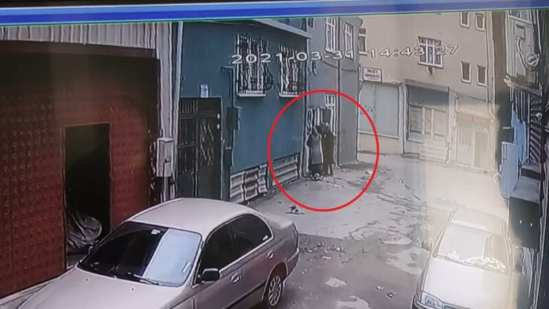 Bursa'da 3 kadın kredi kartı ile girdikleri evden servet götürdü