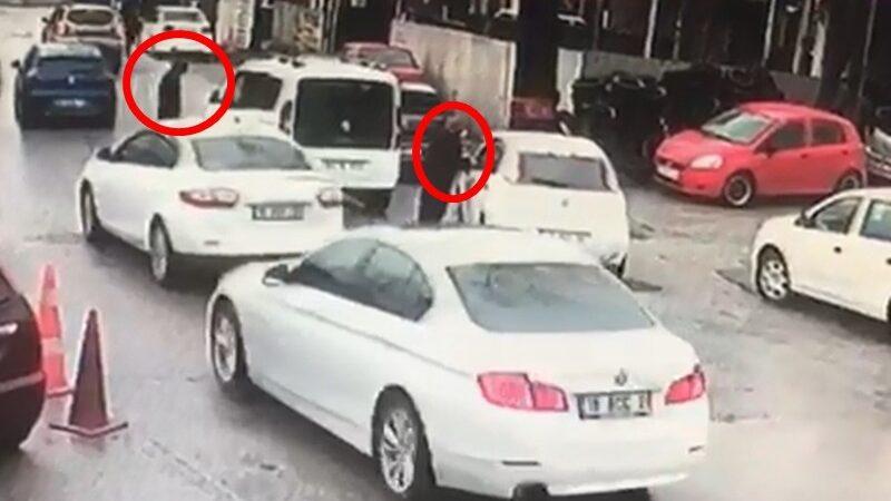 Bursa'da kadın sürücü çalınan aracının peşinden metrelerce böyle koştu