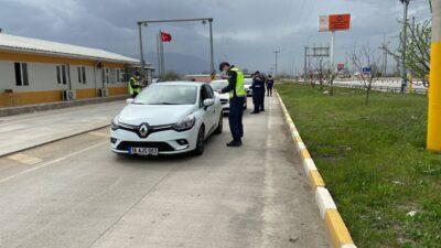 Bursa'da polis ve jandarma şehrin giriş çıkışlarında göz açtırmıyor