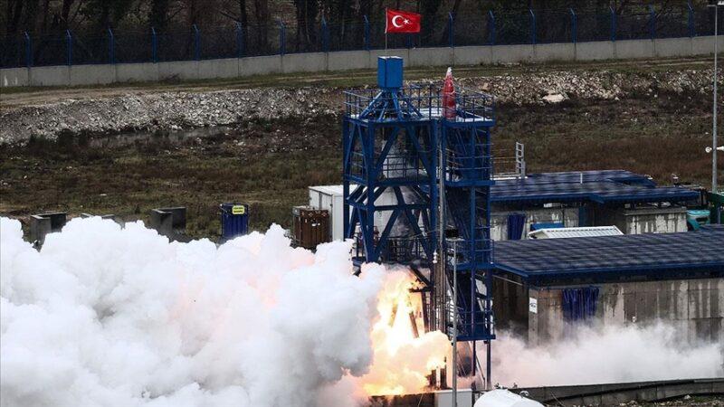 Yerli roket motoru testi geçti
