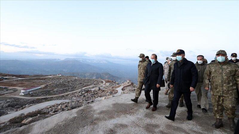 Bakan Akar ve TSK komuta kademesi geceyi Şırnak'ta geçirdi
