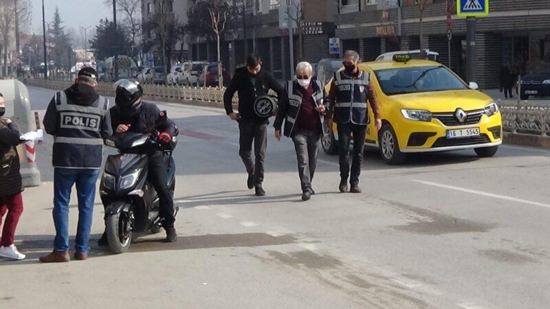 Bursa'da taksi yolculuğu polis noktasında son buldu
